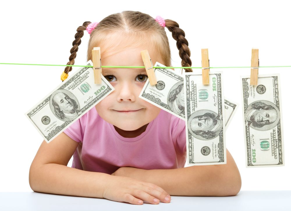 Алименты на 3 детей: особенности получения, суммы, порядок расчета