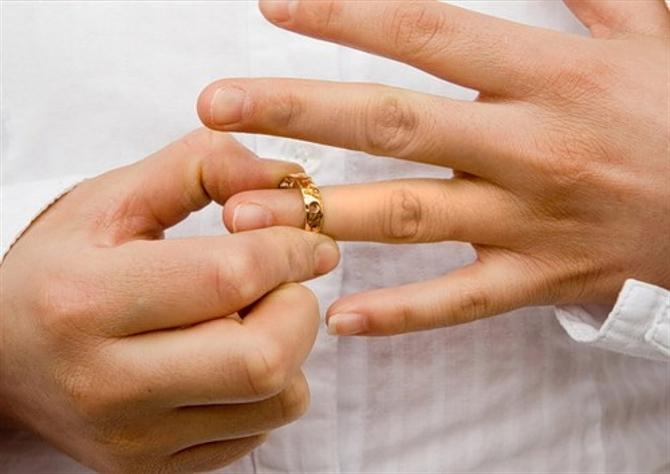 явно на супругов подает на развод удивительного