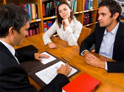 Обычно раздел имущества связан непосредственно с расторжением брака супругов.