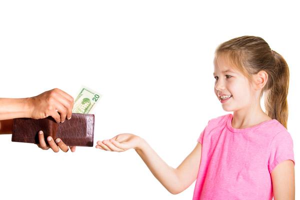 обернулся не хватает денег на содержание ребенка оглянулся убедиться