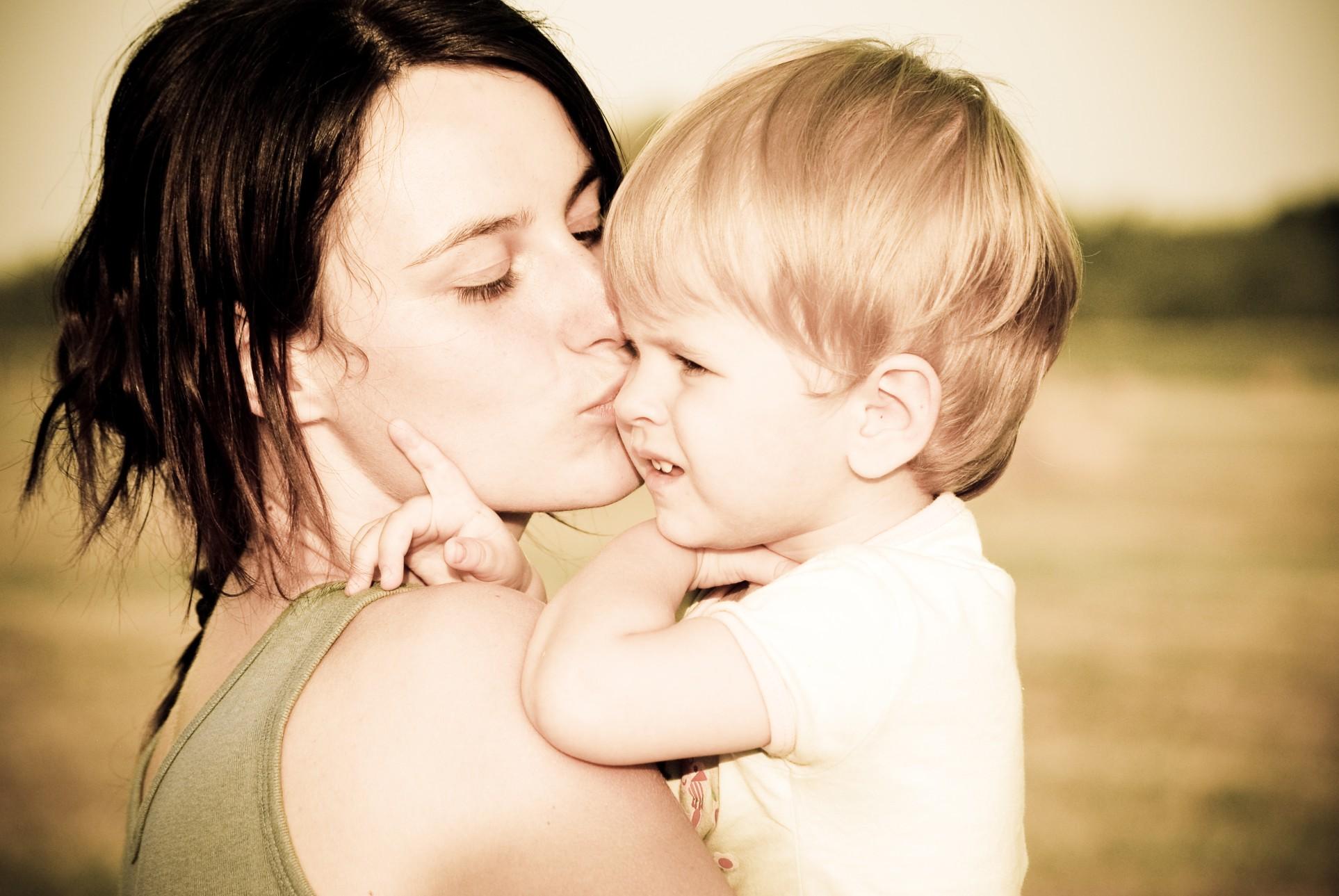 Обязательные выплаты ребенку после развода