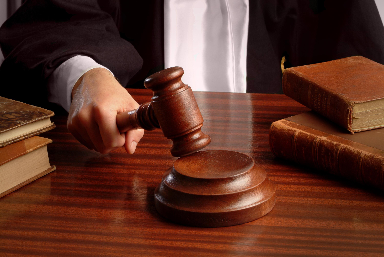 Бороться до конца: В петербургские суды подали двести исков на обжалование результатов выборов